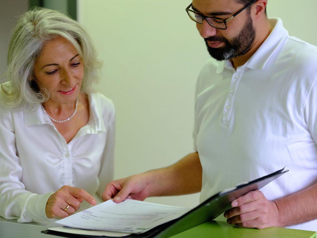 Dr Boyaci und Dr Abuaisheh in Besprechung